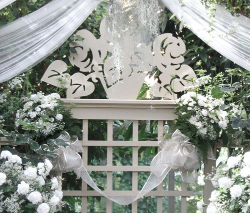 Feature Bouquets on Lattice - The Conservatory Garden Wedding Venue, St. Louis, MO