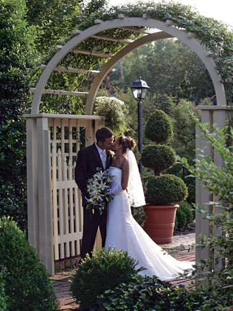 The Conservatory Garden Wedding Venue St Louis Outside